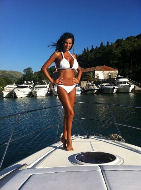 Nicoleta Luciu, sexy in Croatia