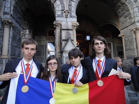Romanii s-au intors cu patru medalii de la Olimpiada de Chimie