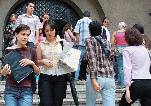 Studiu: Absolventii de finante au sanse sa-si gaseasca un job