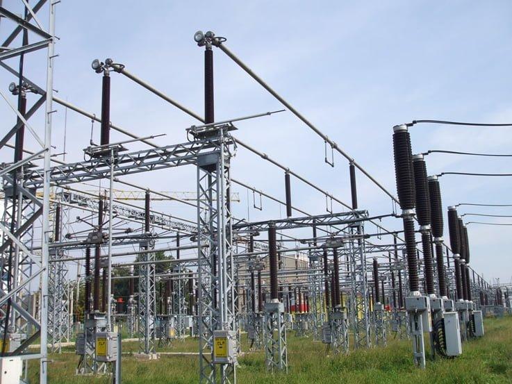 Mediul de afaceri cere supraimpozitarea companiilor energetice