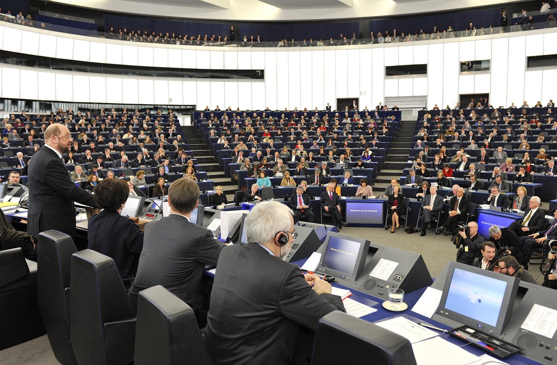 Dezbaterea despre Romania in Parlamentul European, transformata in circ de Dambovita