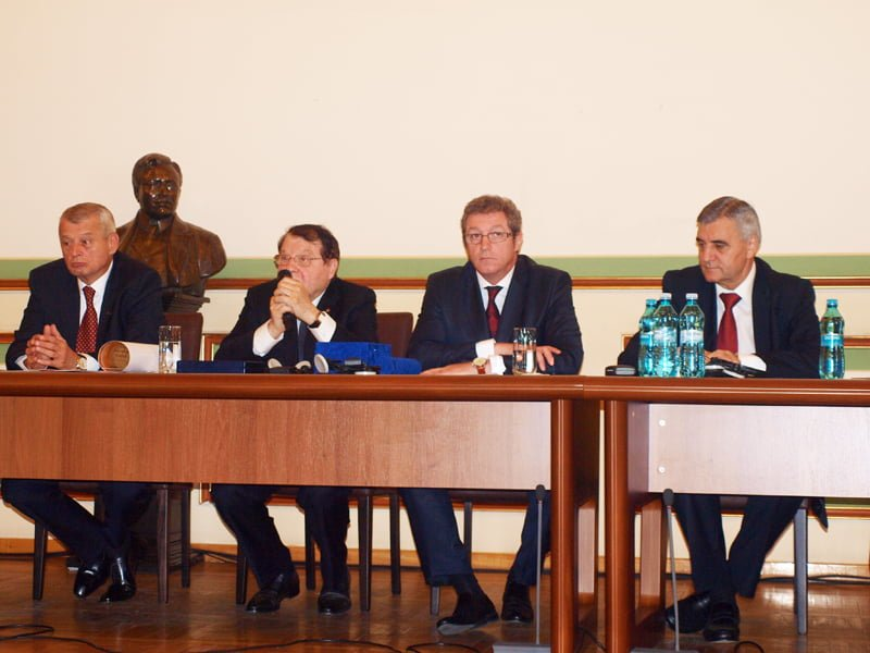 Proiectul Momentul Magellan a fost lansat si in Romania. Tinerii medicinisti se pot specializa in strainatate