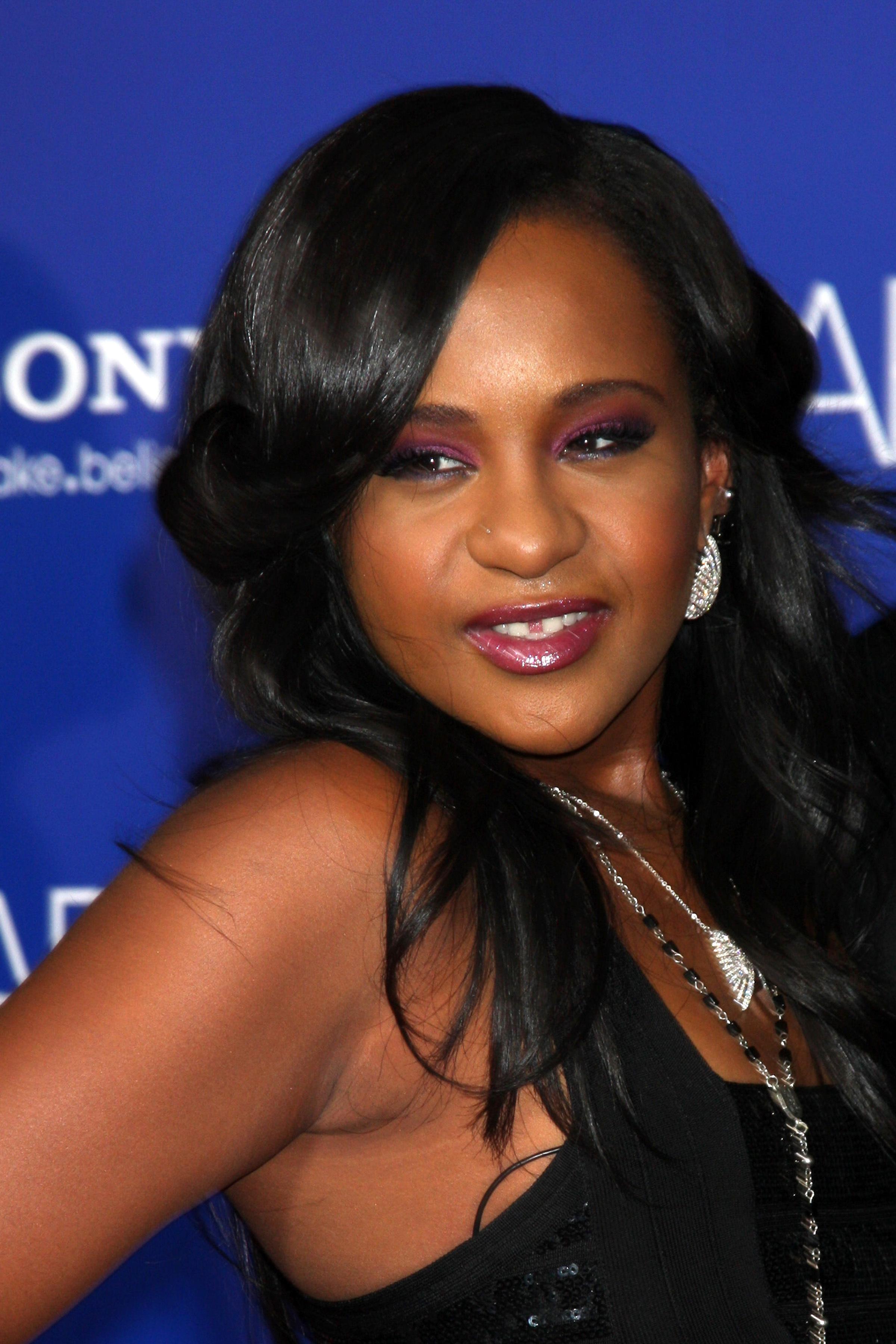 Fiica lui Whitney Houston a fost implicata intr-un accident de masina
