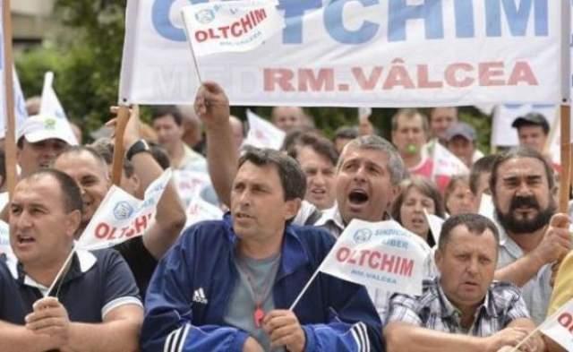 Averile angajatilor Oltchim sunt controlate. Statul ii ajuta doar pe cei cu venituri sub salariul mediu pe economie