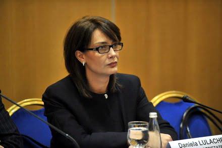 Ministrul Chitoiu vrea sa dea Nuclearelectrica pe mana Danielei Lulache