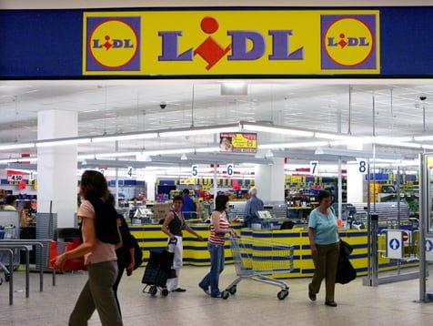 Cu o investitie de aproape 70 de milioane lei, Lidl a deschis al treilea centru logistic din Romania. Depozitul aprovizioneaza magazinele centrul si vestul tarii