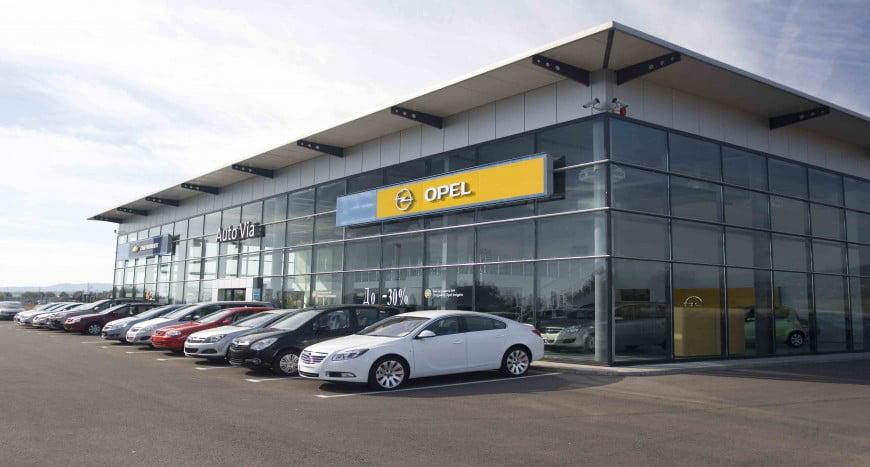 Fiat  vrea sa preia gratis Opel de la General Motors