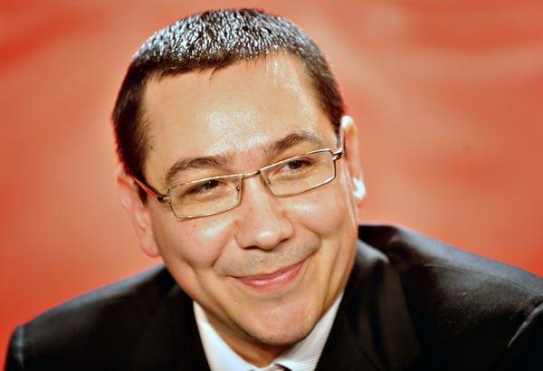 Ponta ameninta din nou cu suspendarea