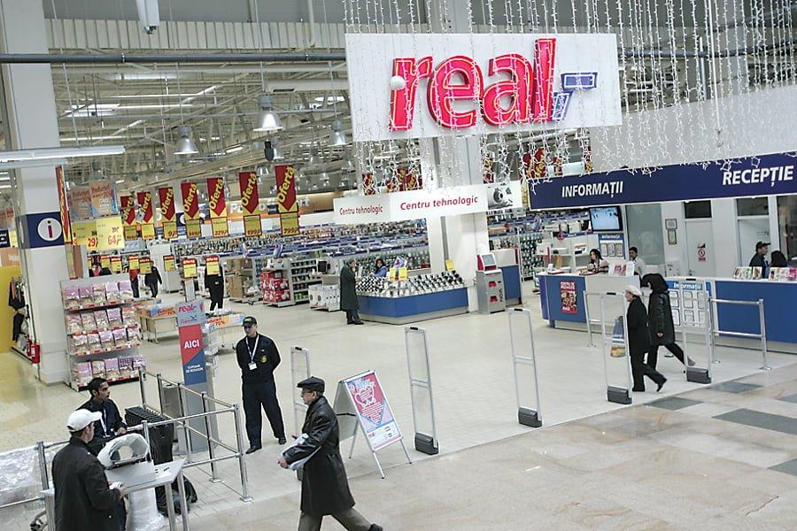 Metro incearca sa scape de magazinele Real din Europa de Est. Grupul german are rezultate din ce in ce mai slabe
