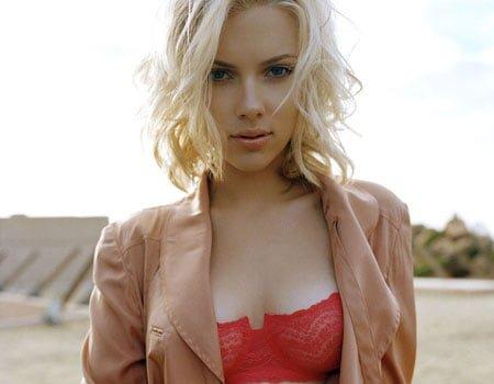 Veste buna pentru barbati: Scarlett Johansson e disponibila