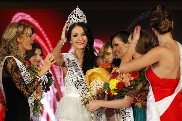 O campioana la sah reprezinta Romania la Miss Universe!