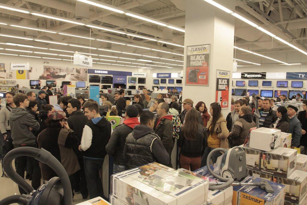 Retailerii fac bilantul.Vezi ce si-au cumparat romanii de Black Friday si cati bani au cheltuit