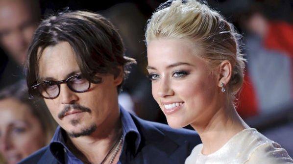 Johnny Depp, indragostit ca un adolescent