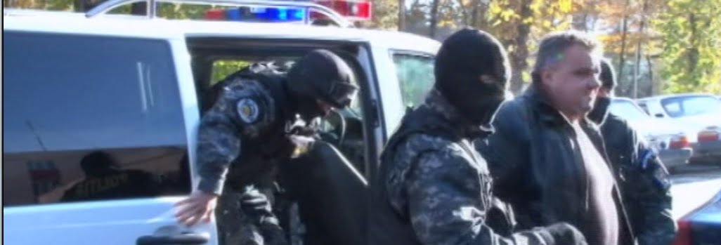 VIDEO Sapte din camatarii retinuti la Sibiu raman in arest 29 de zile