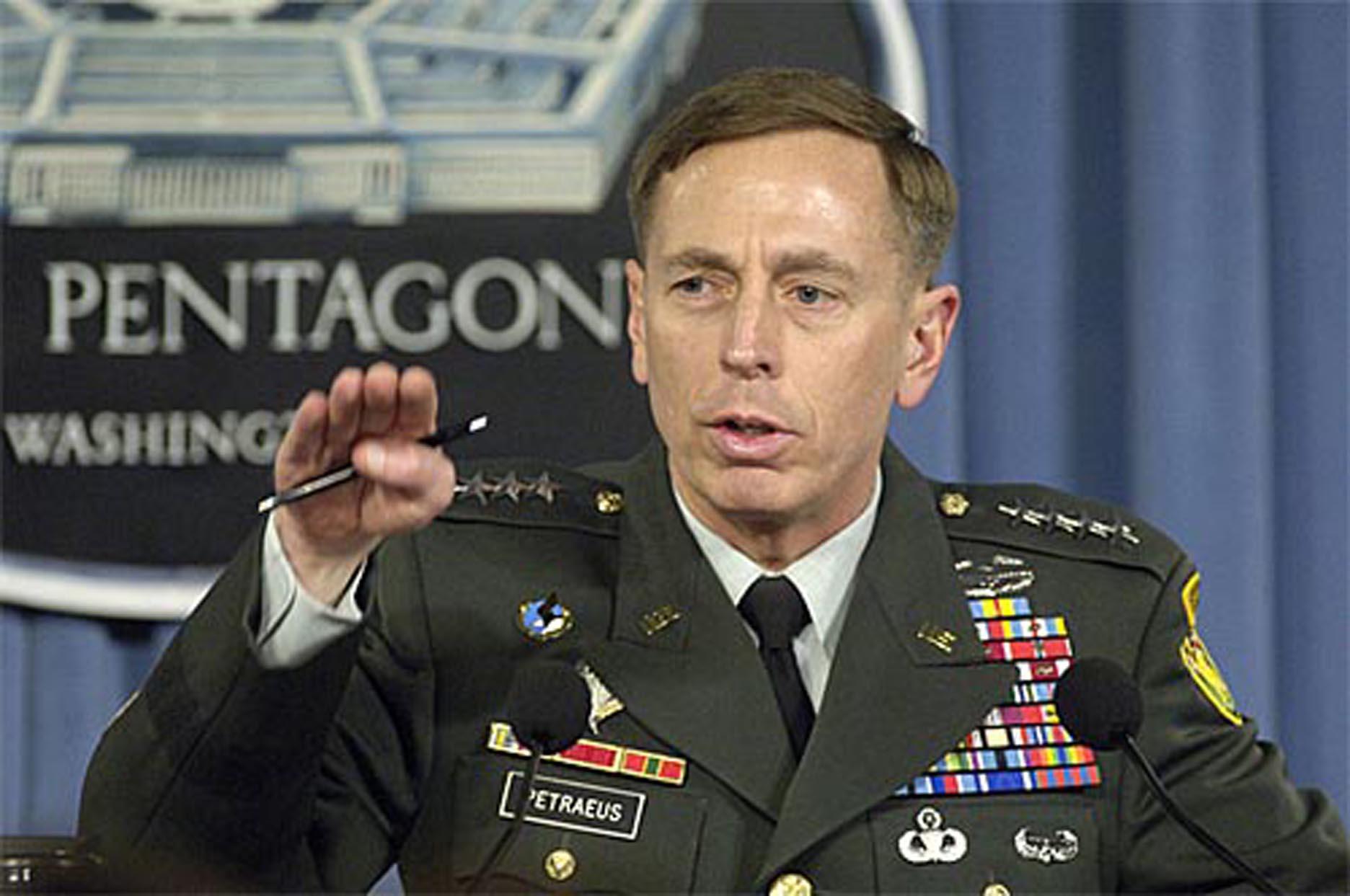 Scandalul sexual care a zguduit America: Principalii protagonisti ai filmului demisiei directorului CIA! FOTO