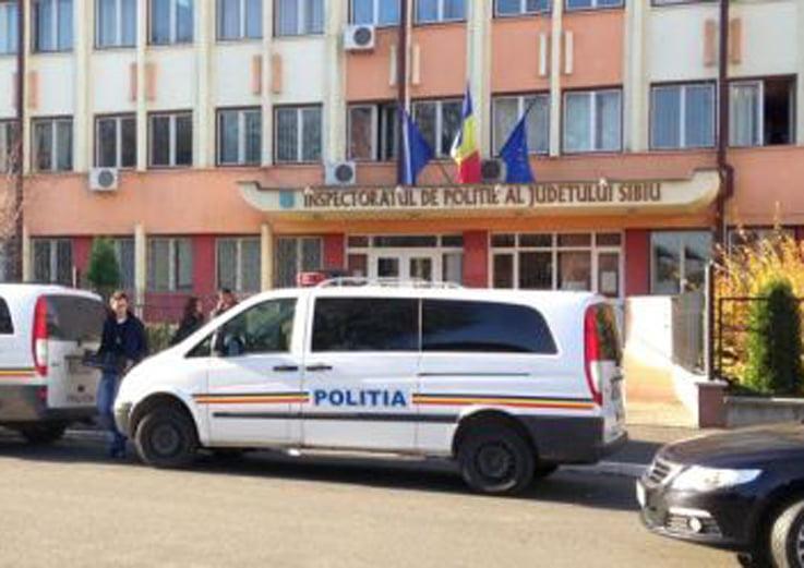 Doi notari sibieni saltati de mascati –  DIICOT desfiinteaza o retea de camatarie din Sibiu