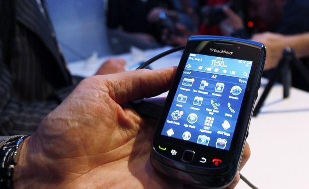 Romanii au la dispozitie trei noi aplicatii prin Vodafone.Cum poti utiliza Star Taxi, Auto.ro si SMS Parking