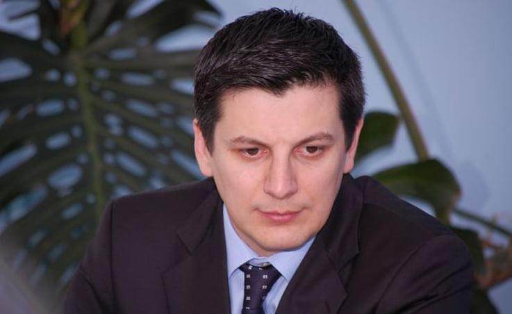 Deputatul Trasculescu, arestat! Cum se impaca politica si balegarul?