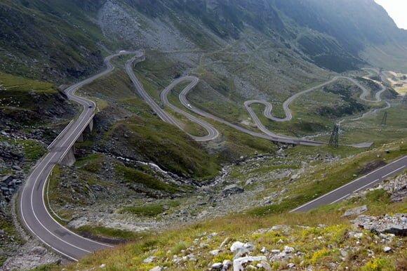 Top15 cele mai spectaculoase drumuri din lume. Vezi de ce Romania este in fruntea clasamentului. Galerie foto