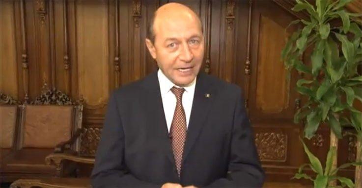 VIDEO: Basescu i-a bagat pe maghiari in Parlament pe usa din dos, iar Ponta i-a poftit la masa Guvernului!