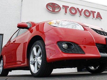 Toyota este iar numarul unu. In 2012, producatorul auto nipon a vandut un numar record de masini