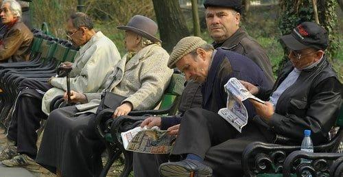 Pensiile sunt indexate cu 4%. Salariul minim pe economie creste in doua etape