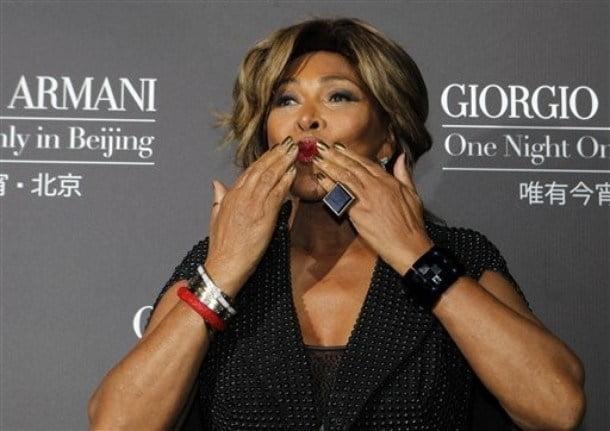 Tina Turner renunta la cetatenia americana