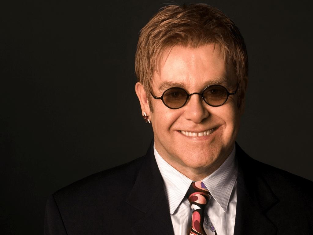 """Cat a """"costat"""" al doilea copil al lui Elton John"""
