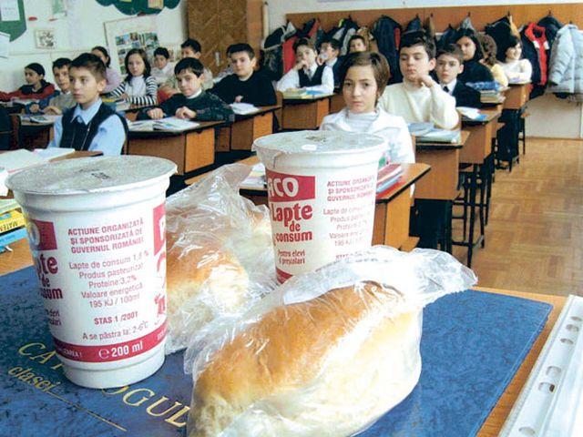 """""""Cornul si laptele"""" ar putea fi inlocuit de programul after-school!"""