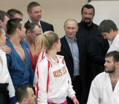 Vladimir Putin si Steven Seagal promoveaza sportul la Moscova
