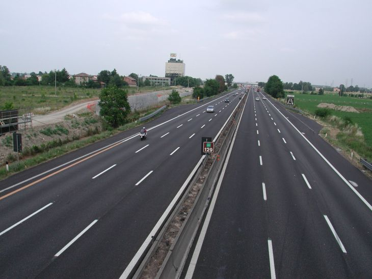 CNADNR: Sase noi autostrazi vor fi finalizate pana la 1 Mai!