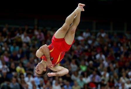 Gimnastii romani, calificati in patru finale la Campionatele Europene. Azi intra in concurs fetele