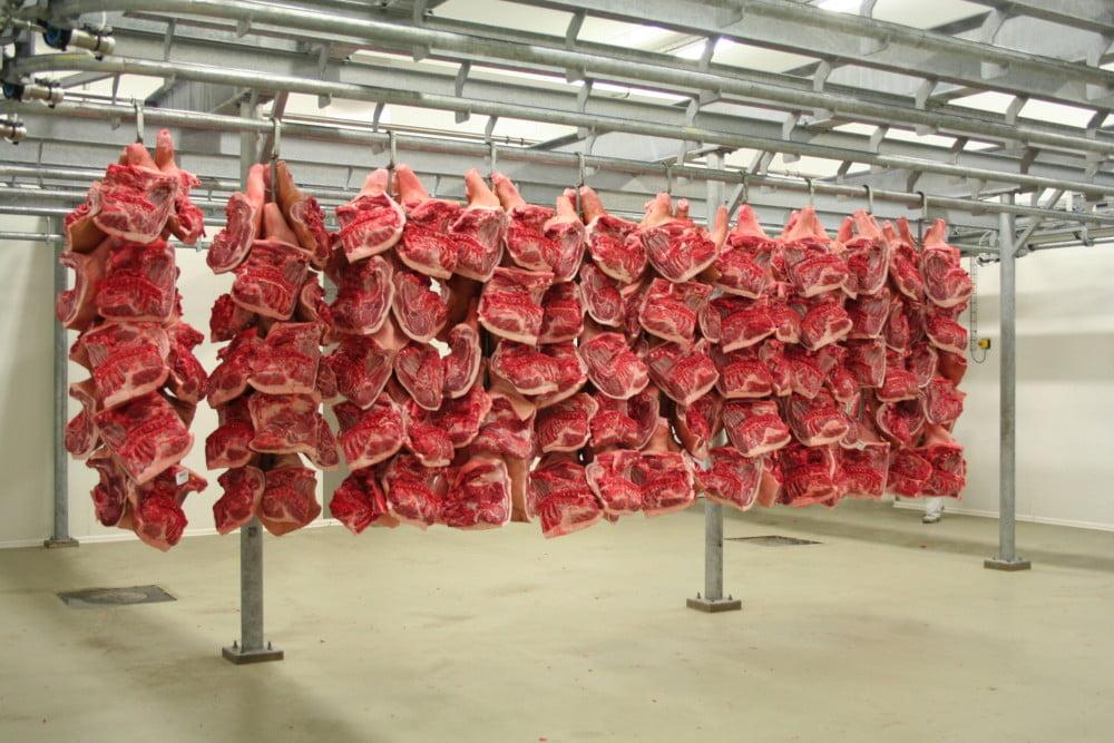 Carmolimp: Carnea de porc se va scumpi cu 15% pana la sfarsitul anului!