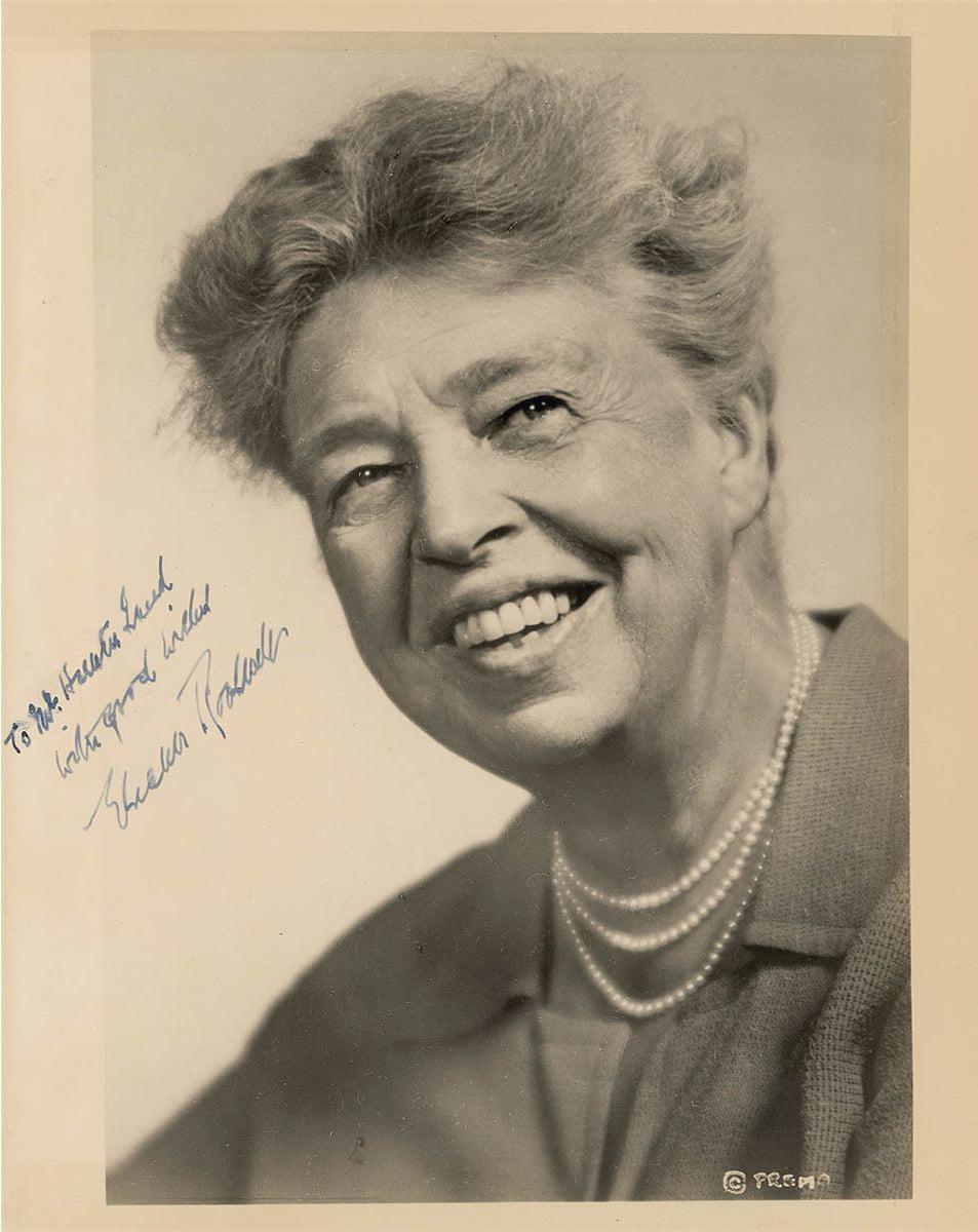 Mintile luminate discuta idei; mintile mediocre discuta evenimente; mintile mici discuta oamenii – Anna Eleanor Roosevelt