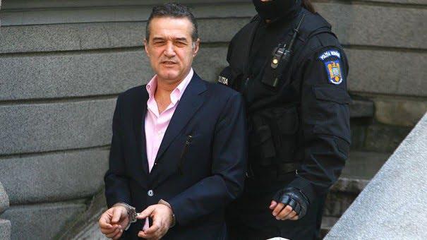 "Dosarul ""Valiza"": Victor Piturca si Teia Sponte, la instanta suprema, unde va fi adus si Gigi Becali!"