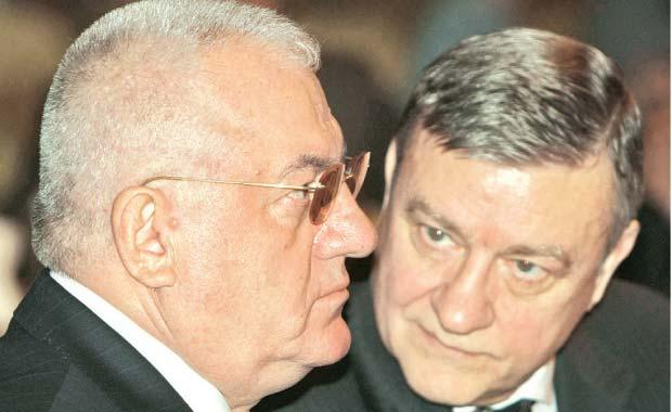 Capii fotbalului romanesc ar putea fi suspendati din functii! Sandu si Dragomir ar urma sa fie trimisi in judecata pentru abuz in serviciu!