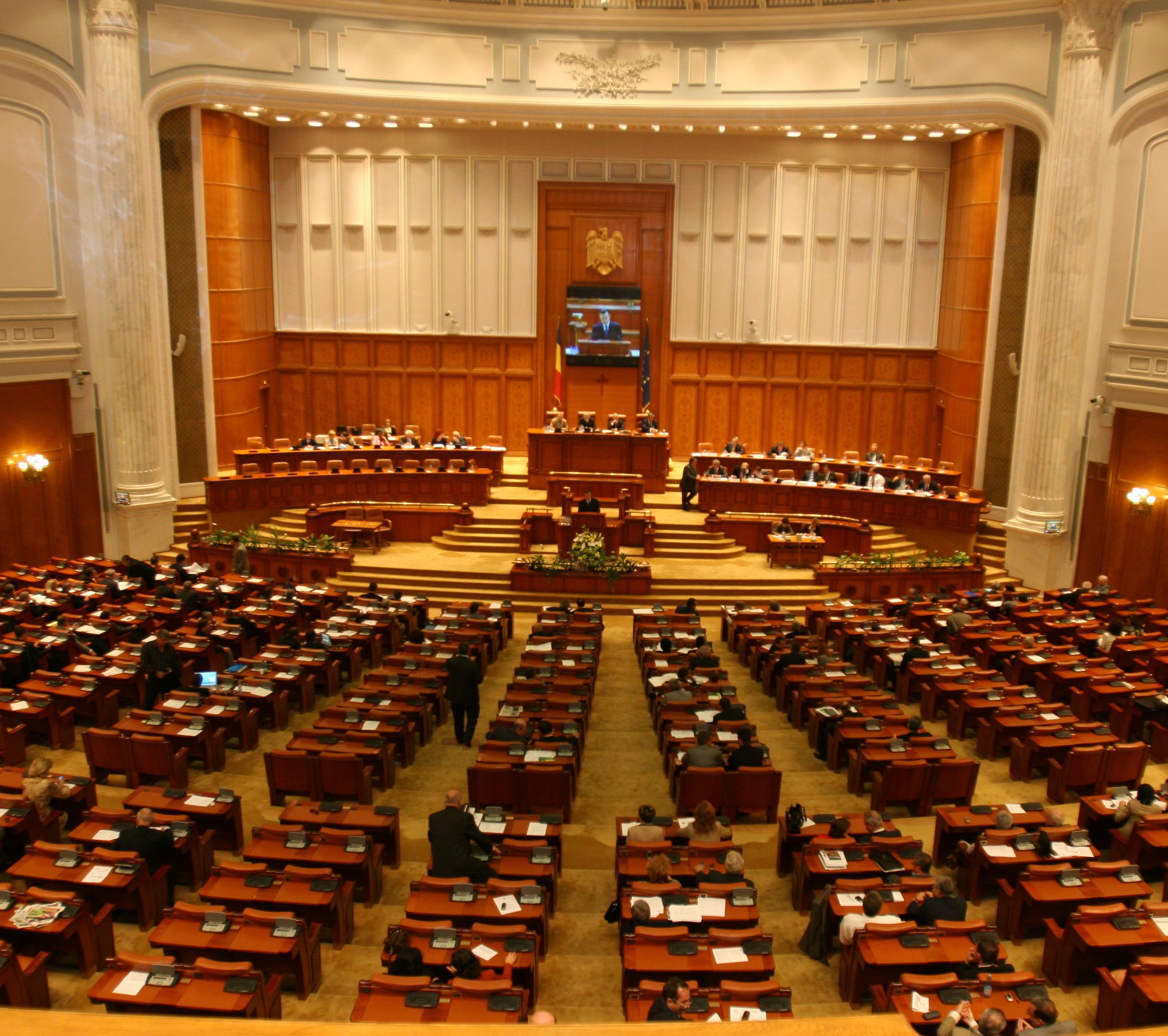 Parlamentul A RESPINS referendumul initiat de Traian Basescu!