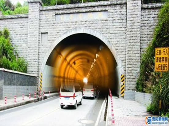 Fenomenul BIZAR care se intampla intr-un tunel din China: Ceasul pur si simplu se da inapoi cu o ora! VIDEO