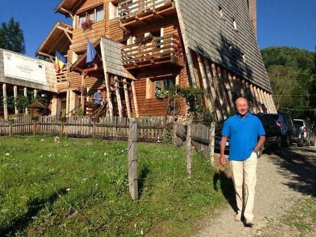 Traian Basescu a fost prezent la Targul de Fete de pe Muntele Gaina!