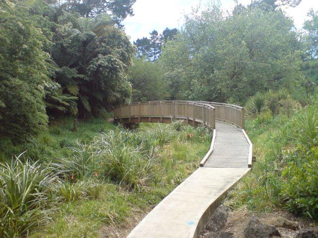 Walking_Path_Along_Oakley_Creek_III