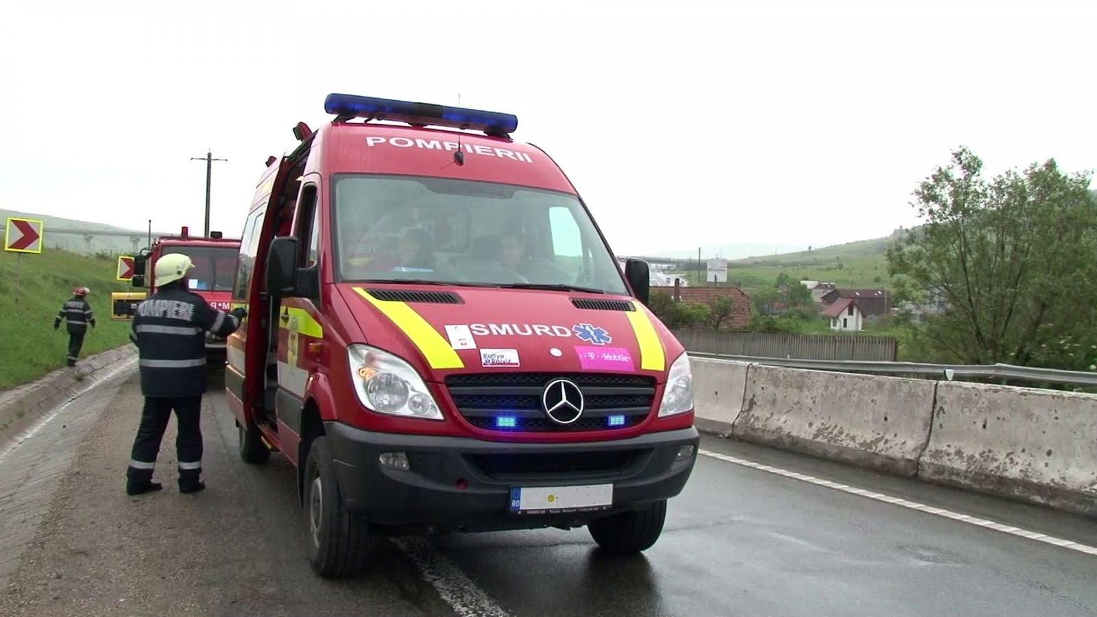 ACCIDENT GRAV in Sibiu: O masina s-a rasturnat intr-un sant, o persoana pierzandu-si viata si alte sapte persoane au fost ranite!