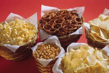Baskets of assorted snacks