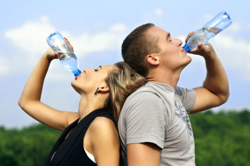 TOP Zece utilizari surprinzatoare ale apei minerale! FOTO