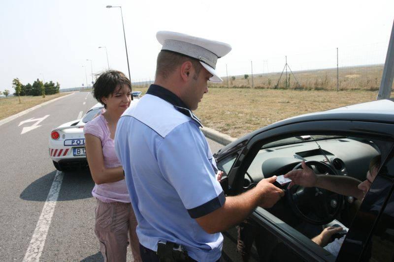 Toate autostrazile si drumurile nationale din tara impanzite de peste 1.800 de politisti de la Rutiera!