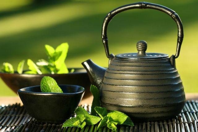 Zece motive pentru care ar trebui sa bei ceai