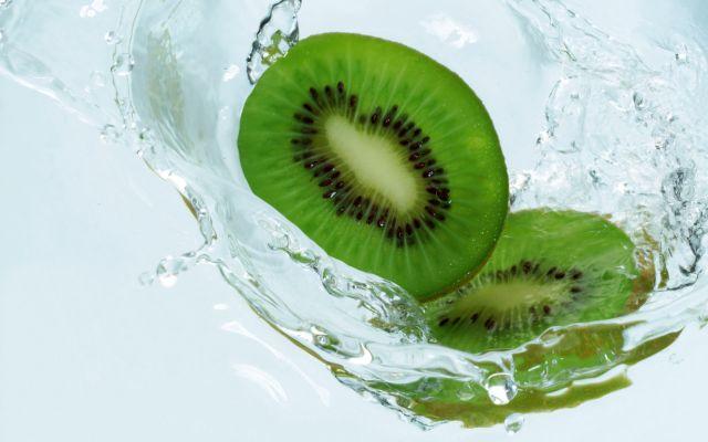 Zece beneficii uimitoare ale fructelor Kiwi