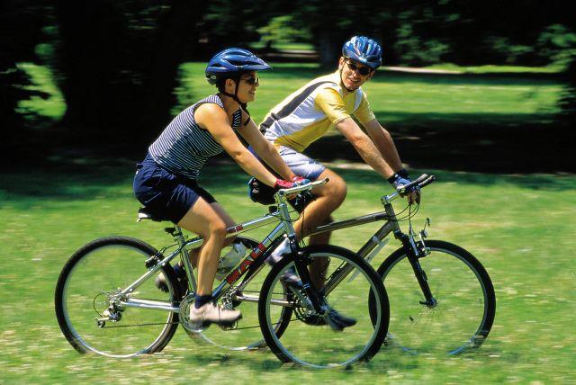 Top ZECE activitati sportive eficiente in lupta impotriva kilogramelor