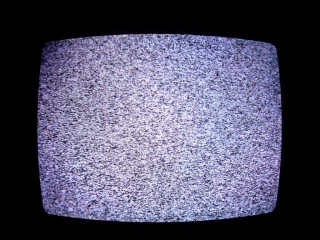 Zece metode prin care PRIVITUL LA TELEVIZOR iti amputeaza viata!