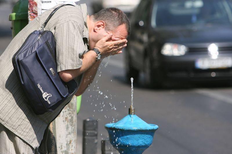 Un val de canicula LOVESTE Romania! Se anunta 40 de grade Celsius!