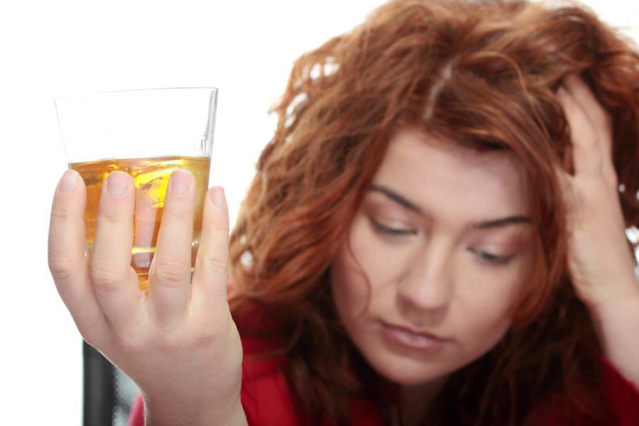 Combinatia alcoolului cu energizantul poate fi MORTALA, potrivit celor mai recente studii!
